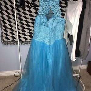 beautiful baby blue ball gown (prom/bridesmaid)